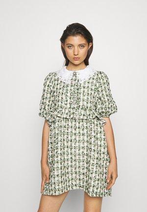 VANITY TWEED MINI DRESS - Robe chemise - green