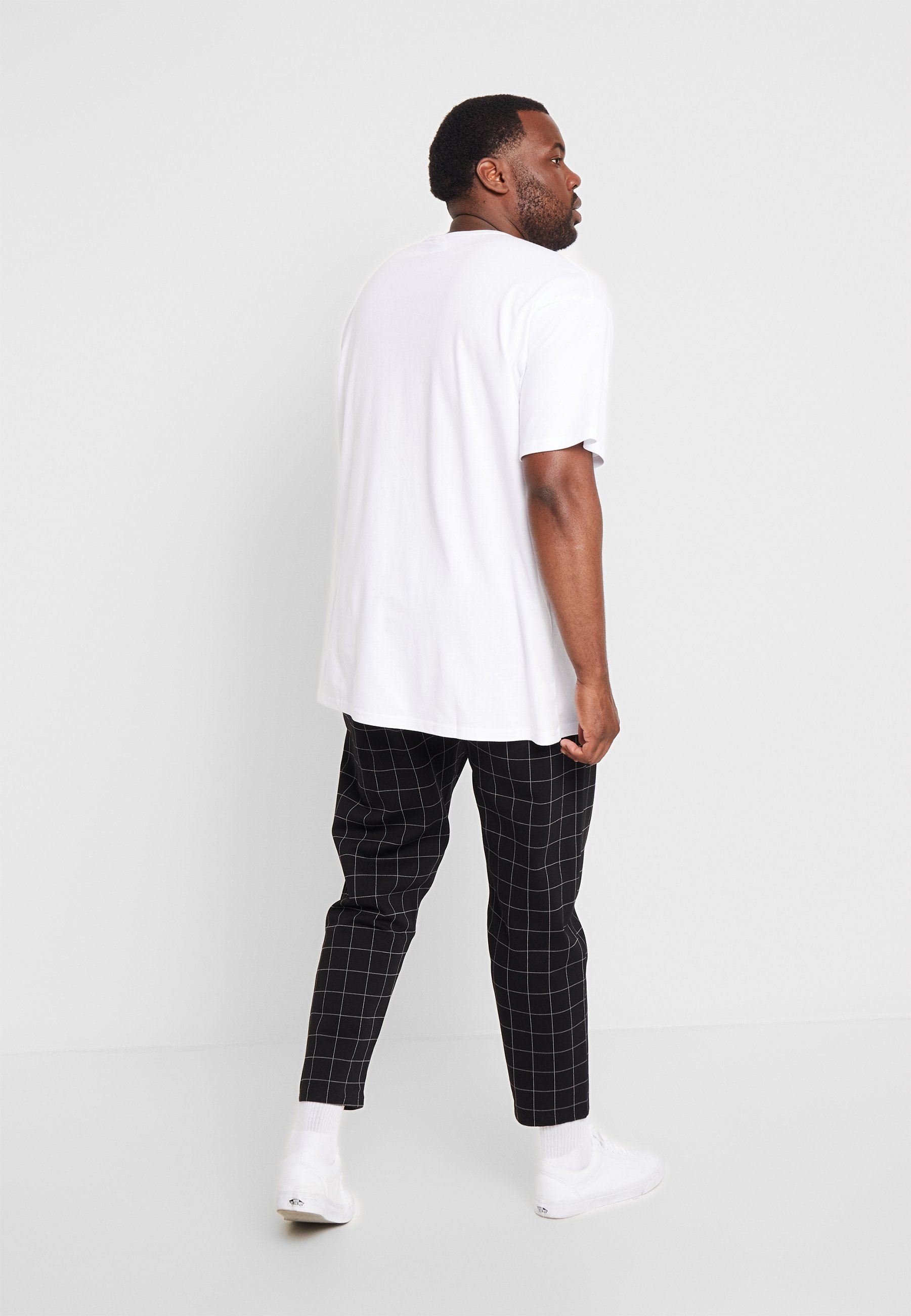 Urban Classics BASIC TEE PLUS SIZE - Basic T-shirt - white pbELF