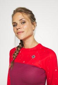 Triple2 - SWET NUL WOMEN - Langarmshirt - beet red - 3