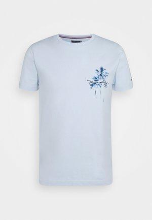 PALM BOX PRINT TEE - Printtipaita - breezy blue
