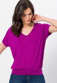 zero - Print T-shirt - magenta rouge - 0