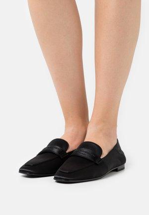 GALA - Nazouvací boty - black