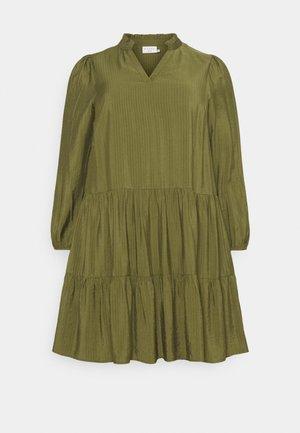 CEDMINA DRESS - Korte jurk - capulet olive