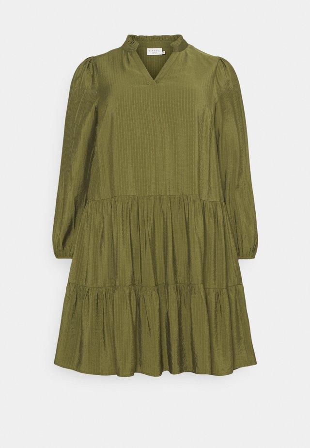 CEDMINA DRESS - Vapaa-ajan mekko - capulet olive