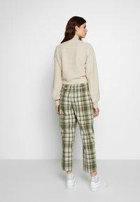Object Tall - OBJUMA PANT - Kalhoty - burnt olive/gardenia - 2