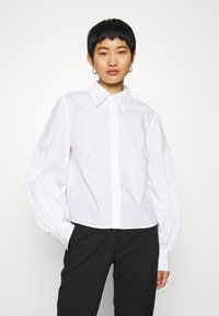 IVY & OAK - BLOUSE WITH BIG SLEEVE - Button-down blouse - bright white - 0