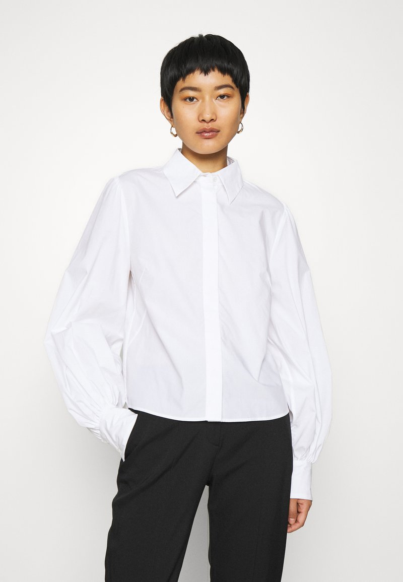 IVY & OAK - BLOUSE WITH BIG SLEEVE - Button-down blouse - bright white