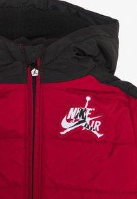Jordan - JUMPMAN CLASSIC PUFFER UNISEX - Winter jacket - gym red - 2
