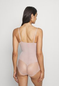 Spanx - SPOTLIGHT ON PANTY - Body - champagne beige - 2