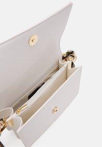 Pieces - PCELISH KEY - Handbag - bright white/multi - 2