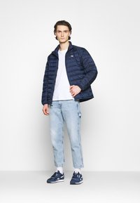 Levi's® - PRESIDIO PACKABLE JACKET - Doudoune - blues - 1