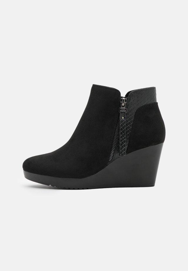AGENT - Platform ankle boots - black