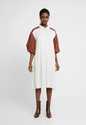 LENNON DRESS - Kjole - white/black