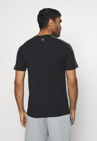 Calvin Klein Performance - SHORT SLEEVE - T-Shirt print - black - 2