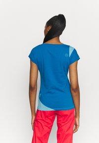 La Sportiva - CHIMNEY  - T-shirt con stampa - neptune/pacific blue - 2