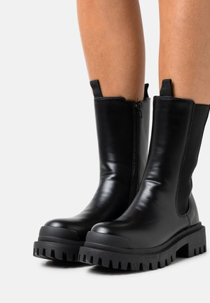 PULL ON CHUNKY TOE CAP - Platform boots - black