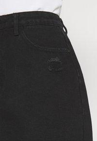 Missguided - RIPPED MINI SKIRT - Denimová sukně - black - 3
