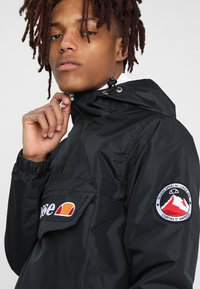 Ellesse - MONT - Windbreakers - anthracite - 4