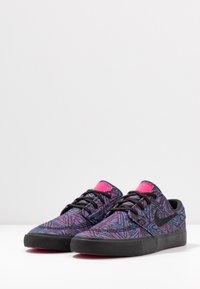 Nike SB - ZOOM JANOSKI UNISEX - Sneakers laag - watermelon/black - 2