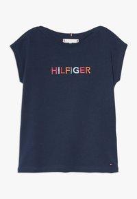 Tommy Hilfiger - MULTI COLOUR GRAPHIC TEE - Camiseta estampada - blue - 0