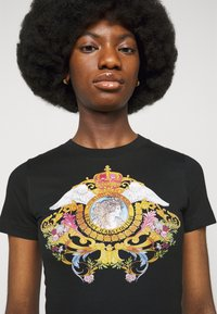 Versace Jeans Couture - TEE - Print T-shirt - black - 5