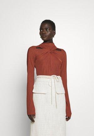 MAIA  - Long sleeved top - rust