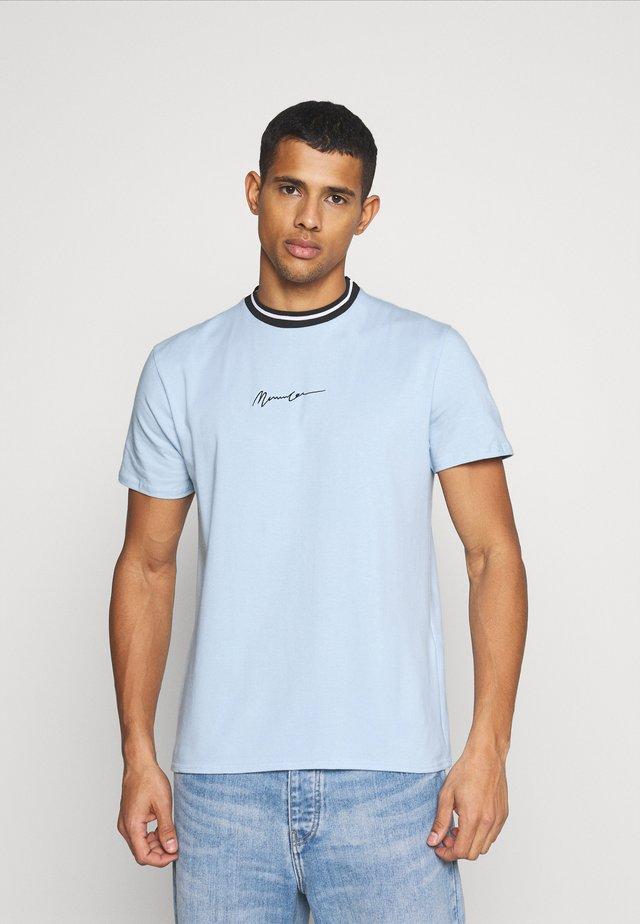 ESSENTIAL STRIPE NECK UNISEX - T-shirts print - sky blue