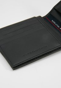 Tommy Hilfiger - HARRY FLAP AND COIN POCKET - Wallet - black - 2