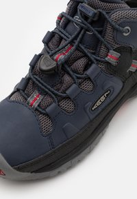 Keen - TARGHEE MID WP - Hiking shoes - blue nights/red carpet - 5