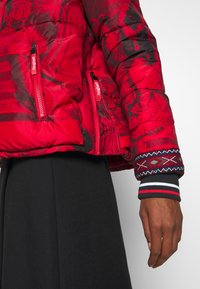 Desigual - PADDED BALTO - Giacca invernale - rojo abril - 5