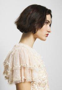 Needle & Thread - SHIRLEY RIBBON MINI DRESS - Koktejlové šaty/ šaty na párty - champagne - 3