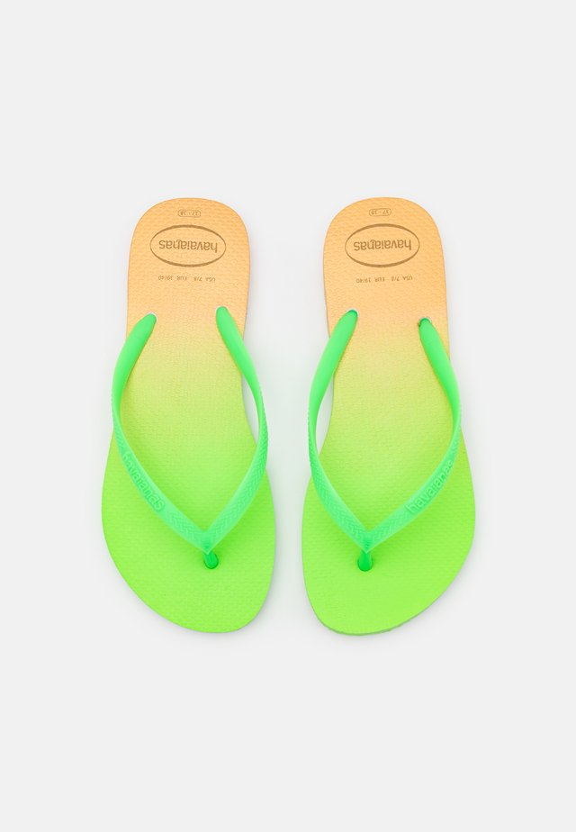SLIM FIT GRADIENT FLUO - Teensandalen - white/fluorescent eletric