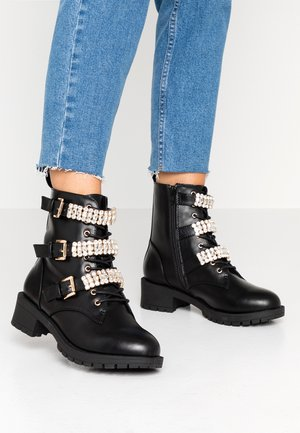 WIDE FIT BIACLAIRE CRYSTAL BOOT - Lace-up ankle boots - black