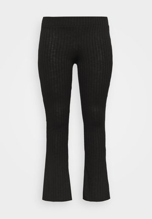 PCSKYWEN FLARED PANT - Tygbyxor - black