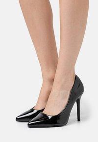 Glamorous Wide Fit - Lodičky na vysokém podpatku - black - 0