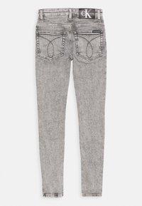 Calvin Klein Jeans - SUPER SKINNY LIGHT WASH - Jeans Skinny Fit - denim - 1
