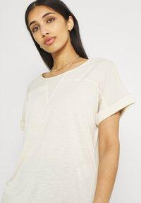 Vero Moda - VMELLEN TOP - Basic T-shirt - birch - 3