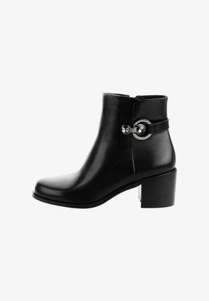 SABAUDIA - Kotníkové boty - black