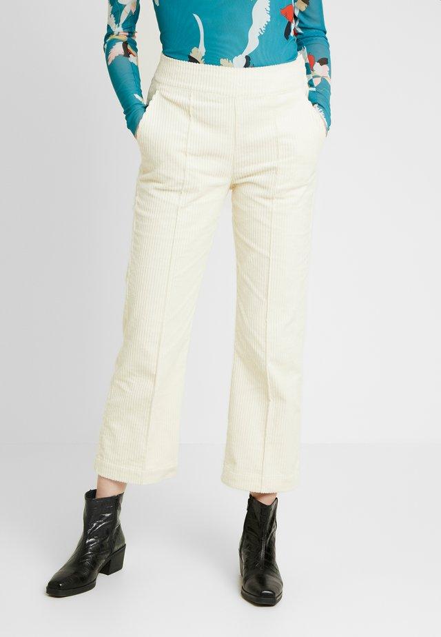 VIIVI PANTS - Pantalones - antique white