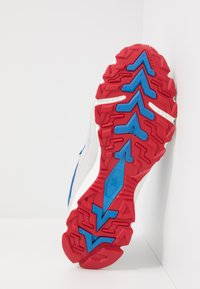 The North Face - ARCHIVE TRAIL KUNA CREST - Trainers - spackle grey/red - 4