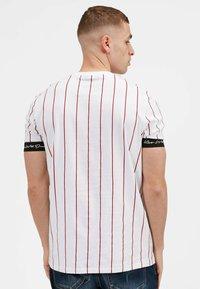 Kings Will Dream - CLIFTON - Print T-shirt - white / red - 2