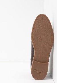YOURTURN - Classic ankle boots - dark brown/cognac - 4