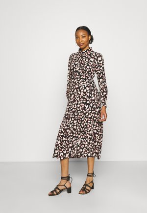 PCMFALISHI SHIRT DRESS - Skjortklänning - black