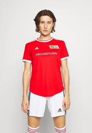 UNION BERLIN - Klubové oblečení - vivid red