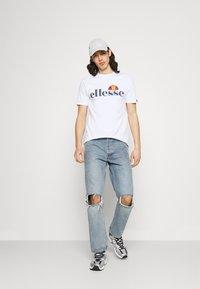 Ellesse - HAREBA - Print T-shirt - white - 1