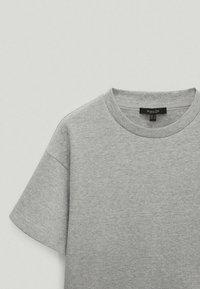 Massimo Dutti - Basic T-shirt - light grey - 5