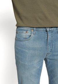 Levi's® - 502™ TAPER HI BALL - Jeans Tapered Fit - blue denim - 3