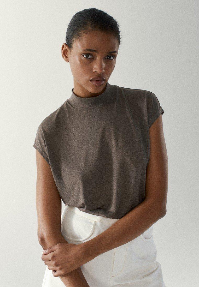 Massimo Dutti - MIT GERIPPTEM STEHKRAGEN - Basic T-shirt - light grey