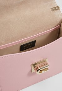 Furla - MINI CROSSBODY - Across body bag - rosa chiaro - 4