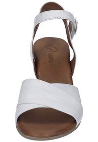 Piazza - Sandals - weiß - 3
